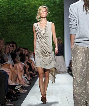 Newyork Dress on 2011 Trend New York Fashion Week Michael Kors Dress Neutral Runway Li